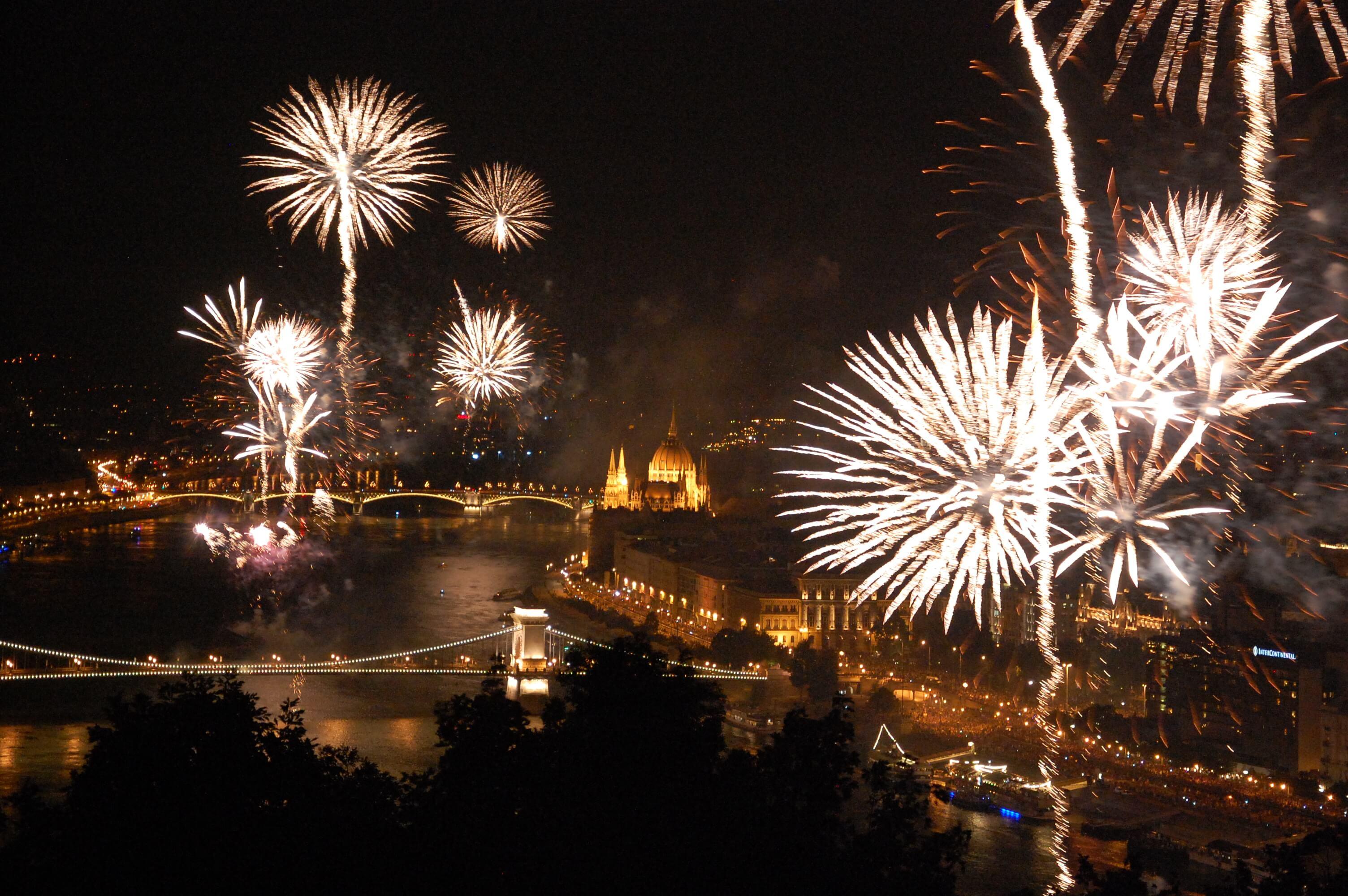 Картинки новый год в венгрии