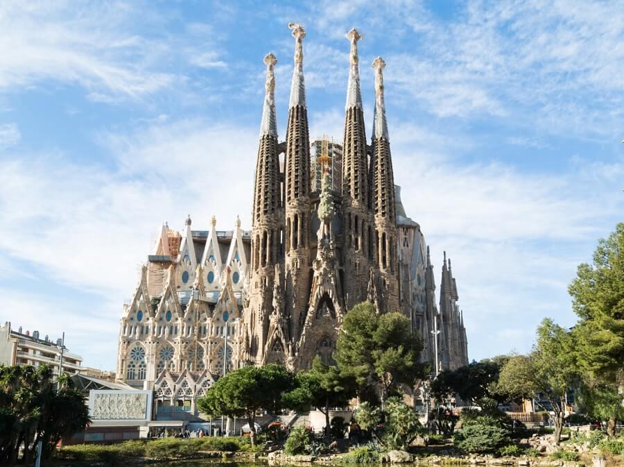 В Барселоне разрешили достроить Храм Святого Семейства