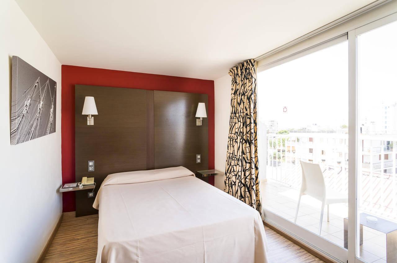 Nautic Hotel 4*