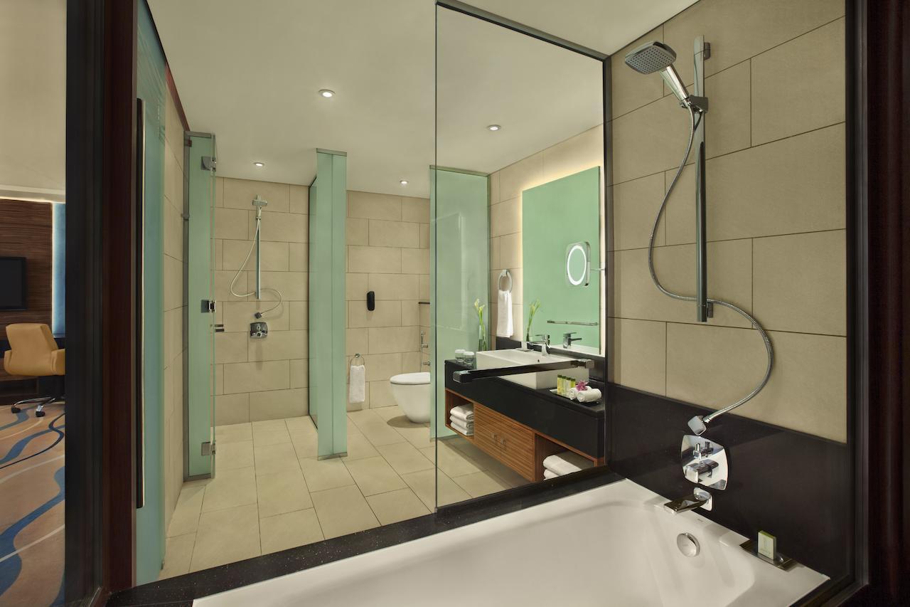 DoubleTree By Hilton Hotel & Residences, Al Barsha 4*