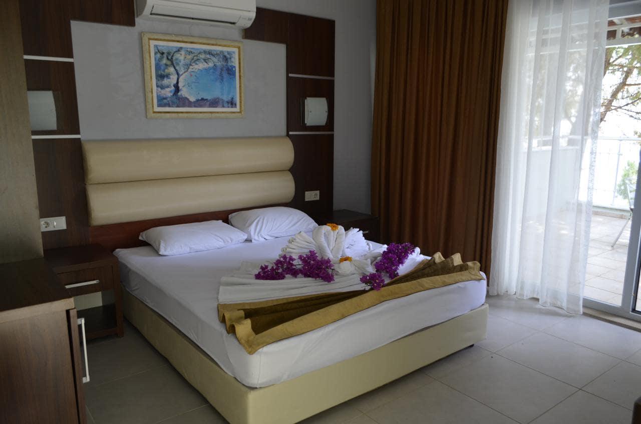 Pine Beach Hotel 4*