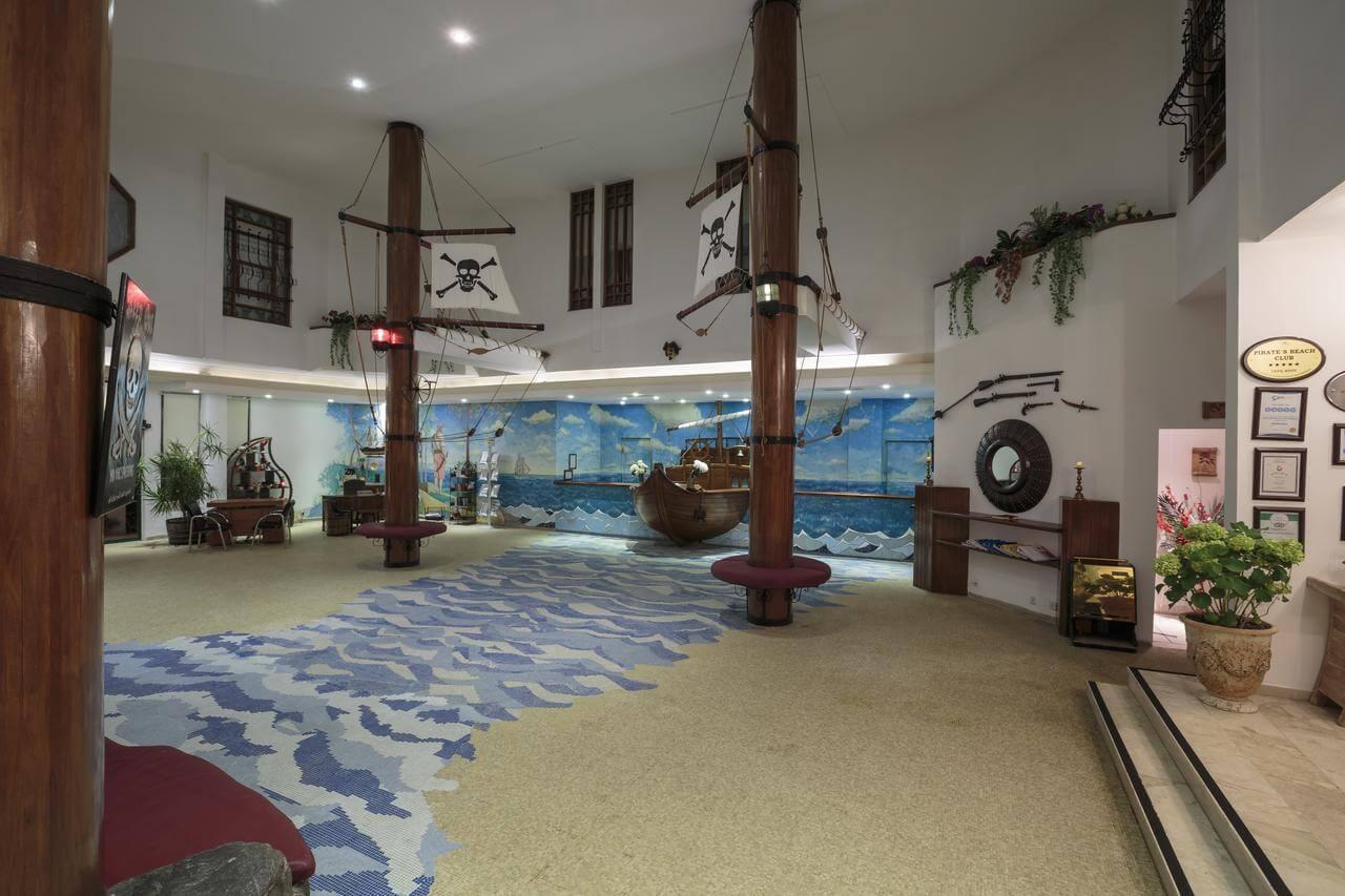 Pirates Beach Club 5HV