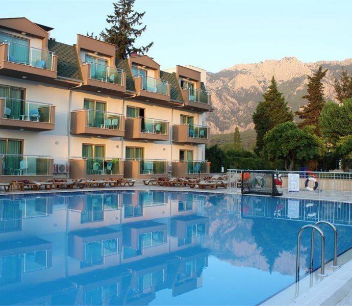 Monna Roza Garden Resort (ex. Royal Batont Hotel) 4*