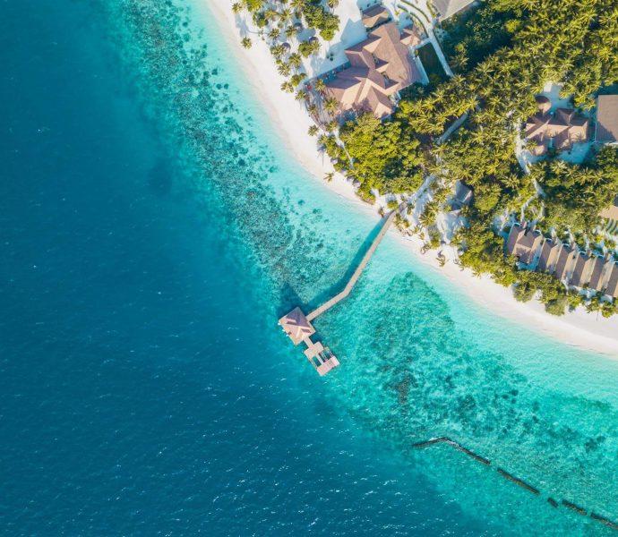 Reethi Faru Resort 4*