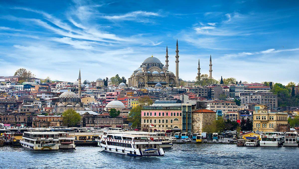 Украина и Турция значительно расширили авиасообщение между собой